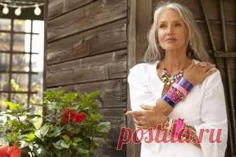 Стиль в одежде для женщин после 50: как выглядеть свежо и современно   Станьте снова модной! Вам не хочется смотреться в зеркало, считаете, что вы уже не такая стройная? Вам не хочется стильно одеваться? Я уверена, что после нашего разговора вам снова захочется модно о…