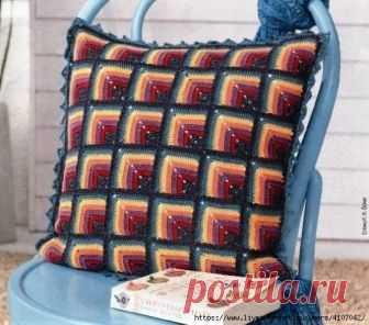 ad57a486dfa4 Чехол на подушку из мотивов-пэчворк, связанных от угла. Крючком. Схемы.