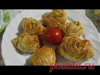 Турецкий гюль борек с картошкой и сыром (творогом).Лаваш с начинкой. В этом видео я покажу как можно просто приготовить турецкий бёрек с начинкой. ПРисоединяйтесь и будем вместе готовить лаваш с начинкой или турецкий гюль бёрек А также на этом канале вы можете найти много очень вкусных рецептов турецкой и не только кухни. Супы, мясные блюда, торты, пироги и печенье, булочки и салаты для худеющих! Видео выходят два раза в неделю. Присоединяйтесь и будем готовить вместе!  Ме...
