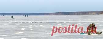 """По старым лункам     Как часто можно услышать жалобы рыбаков (не поймавших удовлетворяющее их количество рыбы) на слом погоды, перепады давления или """"неправильный"""" ветер. Но, как правило, никто не ставит под сомнение …"""