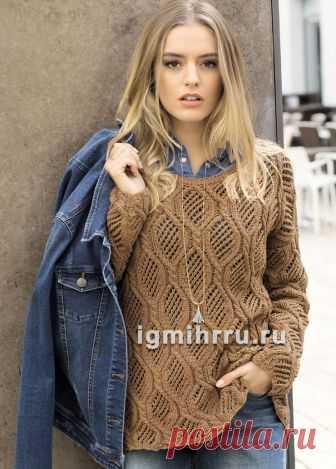 Коричневый пуловер с крупным рельефно-ажурным узором. Вязание спицами
