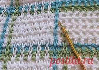 Креативная техника вязания Интересная идея для вязания крючком полотна. Может пригодится для пледов, ковриков, сумок, а возможно, и для некоторых видов одежды. Для юбки, например. Причем, идея очень простая.