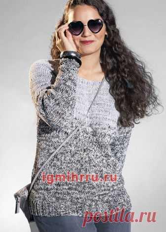 пуловер в серых тонах с переходом цвета вязание спицами вязание