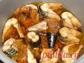 Вкуснейшая тушеная скумбрия с овощами. Теперь я люблю эту рыбу еще больше! Вкусно и в горячем, и в холодном виде!