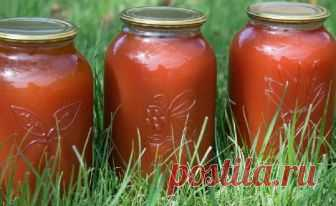 Томатный сок на зиму в домашних условиях - 5 рецептов с фото Как приготовить томатный сок на зиму в домашних условиях? 5 простых и доступных рецептов с фото, с которыми справится даже начинающая хозяйка.