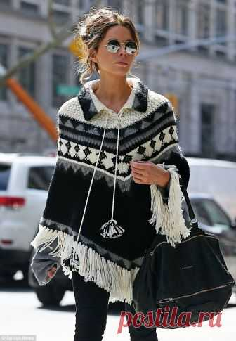 Kate Beckinsale rocks poncho with ex Michael Sheen and daughter Lily in NYC   Daily Mail Online.Идеи.
