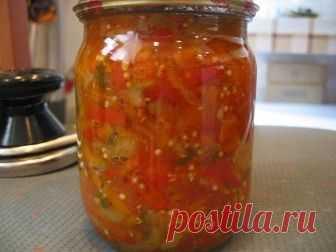 ГРУЗИНСКОЕ ЛЕЧО РЕЦЕПТ.  Чтобы приготовить грузинское лечо, вам понадобится:  помидоры – 3 кг перец болгарский – 3 кг морковь – 1,5 кг лук репчатый – 1,5 кг сахар – 200 г уксус – 1—г масло подсолнечное – 50 г соль  Как приготовить грузинское лечо: 1. Помидоры вымыть, обсушить, нарезать небольшими кусочками. С помощью мясорубки или блендера измельчить томаты до получения пюреобразной массы. 2. Полученную массу перелить в большую кастрюлю, поместить на плиту и довести до кип...