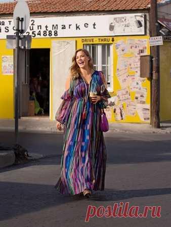 Макси-платье летящего силуэта - выкройка № 126 из журнала 5/2018 Burda – выкройки платьев на Burdastyle.ru