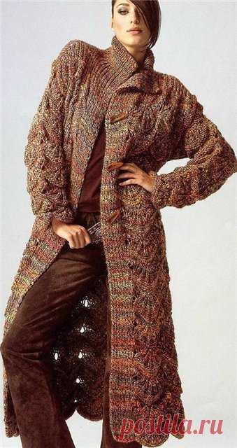 Вязаное пальто спицами и крючком для женщин, фото модных моделей, схема пальто с описанием вязания