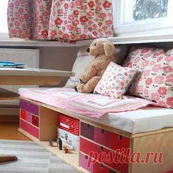 детская кроватка,, сделанная из двух самых дешевых комодиков