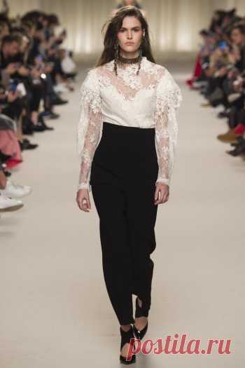Модные блузки осень-зима 2016-2017  Романтика vs Классика   Мода ... b681d6f2147