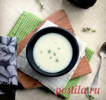 Рецепт сырного супа с картофелем. до больше пюре, чем мне тогда требовалось для тушеного мяса. Тогда я добавила к пюре куриного бульона и смело переименовала его в суп. Результат мне тоже очень понравился. Еще один бонус этого супчика заключается в том, что можно не добавлять в него бульон, и это будет восхитительно легкое и пушистое пюре с цветной капустой. Суп богат витаминами и отлично подходит как вариант зимних супов. Кроме того, он очень полезен детям, и они едят ег...