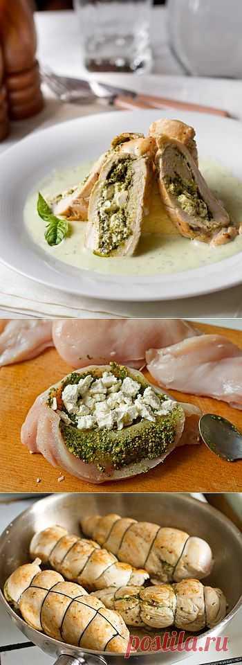 Куриные рулетики с полентой и сливочным базиликовым соусом.  При желании вы можете заменить любое из перечисленных составляющих на другое, ориентируясь на свой вкус и наличие ингредиентов в холодильнике.