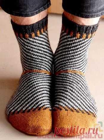 Носки с диагональными полосками   ВЯЗАНЫЕ НОСКИ