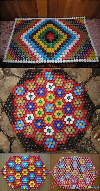 Массажный коврик из крышек от пластиковых бутылок.