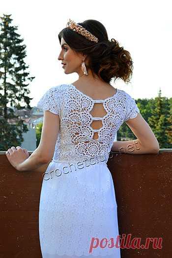 Маленькое белое платье крючком Маленькое белое платье, связанное крючком из полос ленточного кружева. Схемы и описание вязания платья