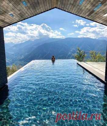 The pool among primitive beauty. Avelengo, Italy.