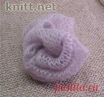Вязаный спицами цветок, роза - это украшение к кофте, заколке или броши. / knitt.net