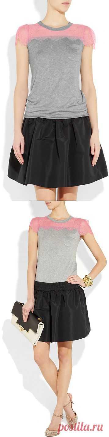 Футболка с кружевной вставкой Red Valentino / Футболки DIY / Модный сайт о стильной переделке одежды и интерьера