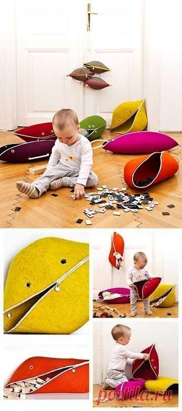 Las piezas entretenidas para el almacenaje de los juguetes.