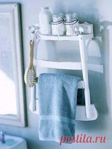 """Старому любимому бабушкину стульчику - новую жизнь - в качестве полки-вешалки в ванной. Здесь найдется место и для полотенец, и для щеток и мочалок, и для всех """"баночек и скляночек""""."""