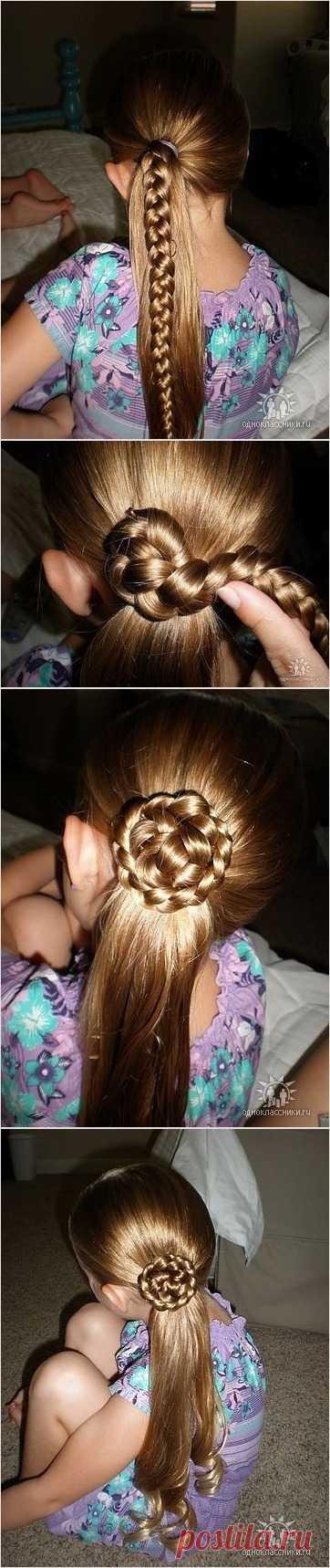 Прическа для девочек с длинными волосами ))