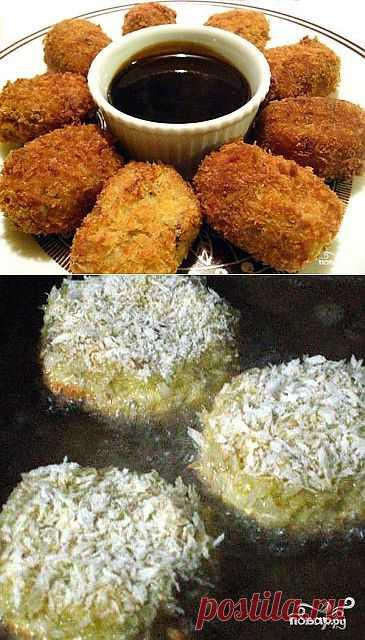 Короккэ – это японские картофельные крокеты по сути являющиеся котлетами из картофельного пюре с добавлением мяса, овощей или морепродуктов. Подавать на стол можно как самостоятельное блюдо или в виде гарнира. Хорошо идет с соусом Тонкацу или майонезом Кьюпи.