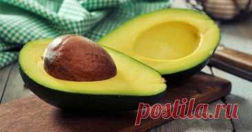 Чем полезно авокадо: что ты не знала о фрукте - Образованная Сова Что мы знаем об авокадо? Это экзотический фрукт, у него кремовая текстура и с ним делают какие-то пасты и тосты…Так? А знаешь ли ты о всей той пользе, которую можно взять от авокадо? Мы расскажем. Представительницы прекрасного пола, которые стараются похудеть, отказываются от него, так как он калорийный. Зря, девушки. Жиры, находящиеся в плоде, являются …