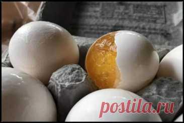 Делюсь секретом зачем я замораживаю яйца и какое вкусное блюдо готовлю из них! - Ваши любимые рецепты - медиаплатформа МирТесен Замороженное яйцо — вовсе не испорченный продукт, а если вспомнить молекулярную кухню, то очень даже интересный. Желток в таком состоянии имеет кремовую консистенцию и похож на варенный по вкусу. Хотите удивить своих близких необычным завтраком? Просто воспользуйтесь этим рецептом и приготовьте