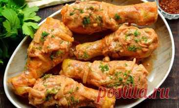 Куриные голени в луково-сметанном соусе — Шедевры кулинарии