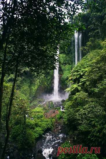 Водопад Sekumpul, Бали, Индонезия. Водопад Sekumpul на острове Бали в Индонезии фото. Красивейшие места мира с названиями. #путешествия #фото #природа