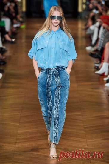 Модные женские джинсы - весна 2021: основные тенденции сезона, новинки, фото, тренды