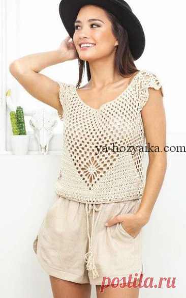 Very beautiful undershirt fillet grid. crops tejidos a crochet the Beige undershirt a hook with a beautiful pattern in front. It is perfectly combined with shorts