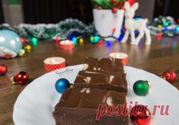 Пирожное брауни без выпечки. Видео рецепт ⋆ Vegan Ray В преддверии Нового года я вдохновилась на этот рецепт. Брауни без выпечки, супер шоколадный, вкусный, без вредных ингредиентов в составе. Без глютена...
