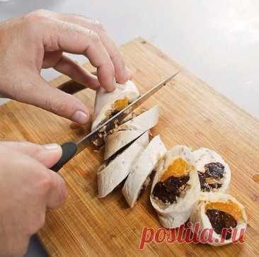 Куриный рулет с фруктами — Кулинарная книга - рецепты с фото