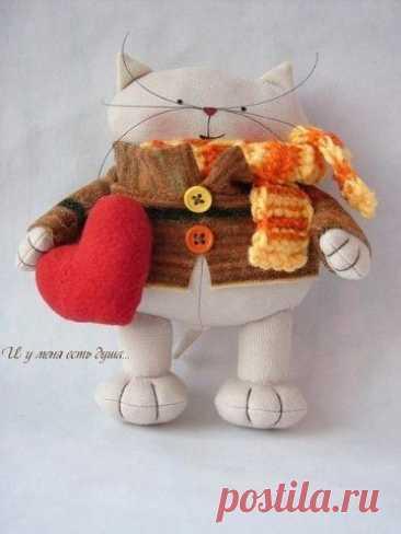 Текстильные котики с сердечками