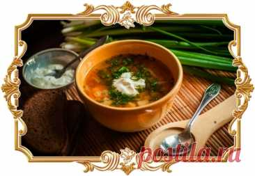 #Щи #с #курицей, #квашеной #капустой и #болгарским #перцем  Для приготовления #щей чаще всего используют #говядину или #свинину. Предлагаем поэкспериментировать и сделать #знаменитый #суп на курином бульоне. Особенность этого рецепта ещё и в том, что варёные кусочки курицы тушатся вместе с овощами и томатной пастой.  Время приготовления: Показать полностью...