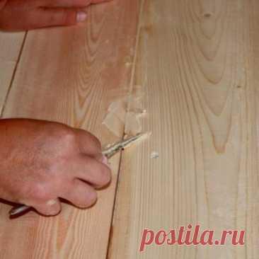 Как заделать щели в деревянных полах? - Мужской журнал JK Men's В большинстве случаев, при эксплуатации жилого помещения появляются щели в полу. Следует тщательно рассмотреть, как выполнить ремонт напольного покрытия и