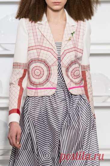 Schiaparelli at Couture Spring 2016 - Details Runway Photos