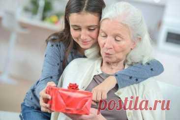 Подарок бабушке на День рождения своими руками: 10 идей, как сделать (фото) Рассказываем 10 интересных идей, как сделать подарок бабушке на День рождения своими руками. Бери на заметку!