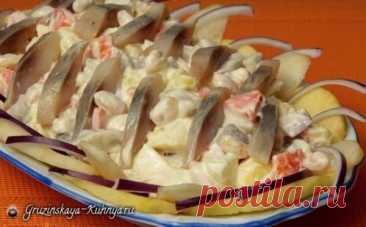 Обалденный салат Венеция с селедкой и яблоком – гости просили рецепт!
