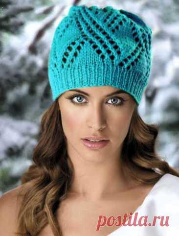 Стильная шапочка, готовимся к осени Отличная модель шапочки по схеме вязания спицами для начала осени. Яркий бирюзовый цвет не даст вам впасть в осеннюю хандру, а только будет придавать свежести. Ну а если решили связать такую шапочку на весну, то вы ни капли не ошиблись с выбором.