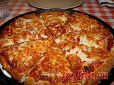 La pizza (más rápido) en la sartén en 10 minutos