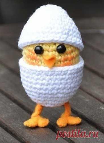 master la clase por la labor de punto del pollo de Pascua