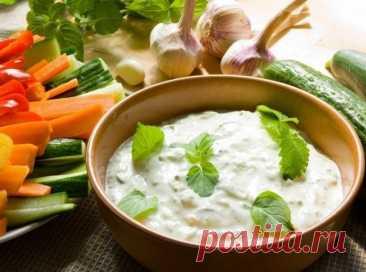 Las salsas bajas en calorías en base al yogurt