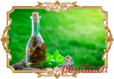 #Мятный #ликёр (#рецепт 18+)  У этого #напитка тонкий аромат, мягкий и яркий вкус, а сладость вы можете регулировать на своё усмотрение.  Время приготовления: Показать полностью...