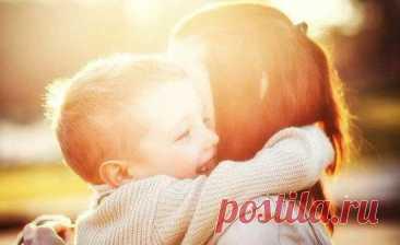 Почему важно обнимать ребенка как можно чаще? / Малютка