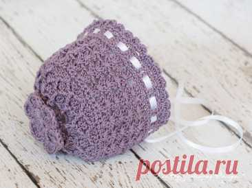 Vintage-style Lace Crochet Baby Bonnet | Free Pattern Tutorial | Kirsten Holloway Designs This free vintage-style crochet newborn baby bonnet pattern is a true heirloom design! It's got lace textures & has notes for other sizes.