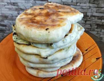 Лепешки с брынзой на сковородке – кулинарный рецепт