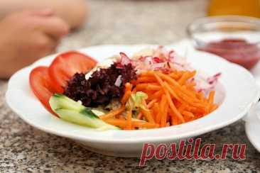 У меня в копилке рецептов куча салатов за 50 рублей, делюсь самыми малозатратными | Три тыщи до зарплаты | Яндекс Дзен